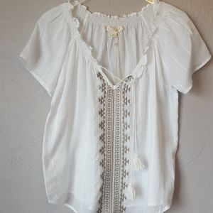 Love Stitch embroidered short sleeve gauze top